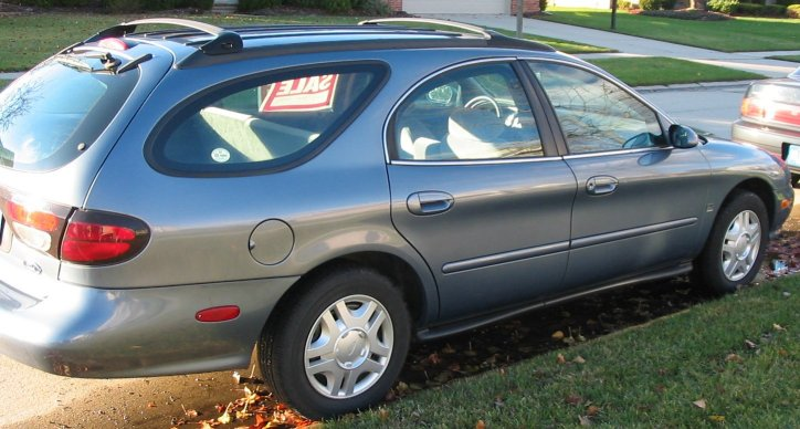 1999 Ford Taurus Wagon Pictures